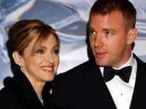 https://www.filmibeat.com/img/2008/12/26-madonna-guy-ritchie-051108.jpg