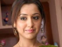 https://www.filmibeat.com/img/2008/12/26-mallika-kapoor-191208.jpg