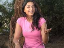 https://www.filmibeat.com/img/2009/01/02-bhoomika-051207.jpg