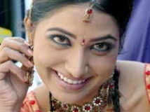 https://www.filmibeat.com/img/2009/01/02-priyanka-020109.jpg