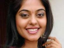 https://www.filmibeat.com/img/2009/01/15-bindu-madhavi-301008.jpg