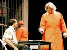 https://www.filmibeat.com/img/2009/02/23-madea-goes-to-jail-230209.jpg