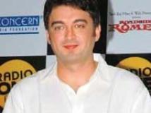 https://www.filmibeat.com/img/2009/03/04-jugal-hansraj-040309.jpg