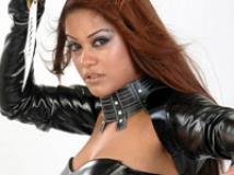 https://www.filmibeat.com/img/2009/04/15-mumaith-khan-170309.jpg