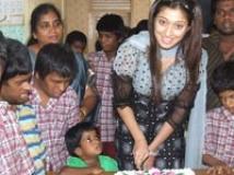 https://www.filmibeat.com/img/2009/06/10-lakshmi-rai-050508.jpg