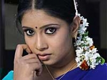 https://www.filmibeat.com/img/2009/07/27-sanghavi-100709.jpg