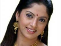 https://www.filmibeat.com/img/2009/08/19-nadiya-moidu-190809.jpg