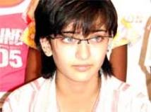 https://www.filmibeat.com/img/2009/08/24-akshara-hassan-240809.jpg
