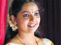 https://www.filmibeat.com/img/2009/09/01-samvrutha-sunil-010909.jpg