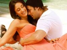 https://www.filmibeat.com/img/2009/09/10-main-aur-mrs-khanna-100909.jpg