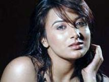 https://www.filmibeat.com/img/2009/09/24-pooja-gandhi-230708.jpg