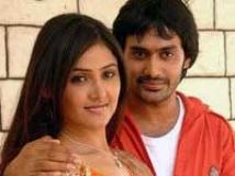 https://www.filmibeat.com/img/2009/10/12-yugala-geetham-121009.jpg