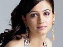 https://www.filmibeat.com/img/2009/10/13-krithi-kharbanda-131009.jpg