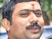 https://www.filmibeat.com/img/2009/10/22-dinesh-gandhi-221009.jpg