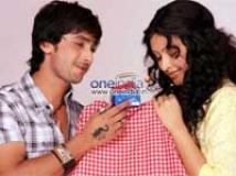 https://www.filmibeat.com/img/2009/11/09-parichaya-091109.jpg