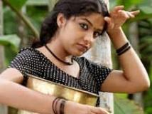 https://www.filmibeat.com/img/2009/11/20-neelathamara-201109.jpg
