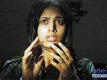 https://www.filmibeat.com/img/2009/12/04-sindhu-menon-041209.jpg