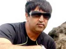 https://www.filmibeat.com/img/2009/12/17-vindu-dara-singh-171209.jpg