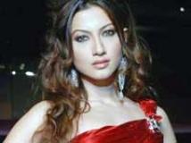 https://www.filmibeat.com/img/2009/12/18-gauhar-khan-171209.jpg