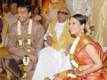 https://www.filmibeat.com/img/2010/02/18-soundarya-ashwin-180210.jpg