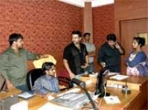 https://www.filmibeat.com/img/2010/02/22-indrajith-sings-220210.jpg