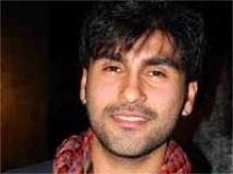 https://www.filmibeat.com/img/2010/03/30-aarya-babbar-300310.jpg