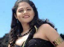 https://www.filmibeat.com/img/2010/03/19-anuya-190310.jpg
