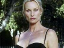 https://www.filmibeat.com/img/2010/04/06-nicollette-sheridan-060410.jpg