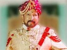 https://www.filmibeat.com/img/2010/04/07-aaptha-rakshaka-070410.jpg