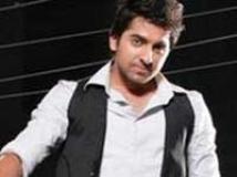 https://www.filmibeat.com/img/2010/05/11-ayushmann-khurrana-110510.jpg