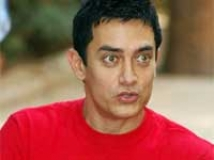 https://www.filmibeat.com/img/2010/05/15-aamir-khan-271109.jpg