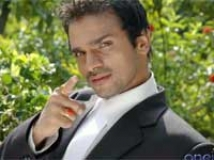 https://www.filmibeat.com/img/2010/05/28-vijay-raghavendra-280510.jpg