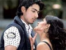 https://www.filmibeat.com/img/2010/06/14-aridhu-aridhu-140610.jpg