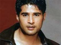 https://www.filmibeat.com/img/2010/06/30-rajeev-khandelwal-150709.jpg
