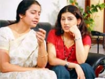 https://www.filmibeat.com/img/2010/07/16-ullamellam-thalladuthey-160710.jpg