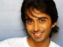 https://www.filmibeat.com/img/2010/07/19-rohit-khurana-190710.jpg