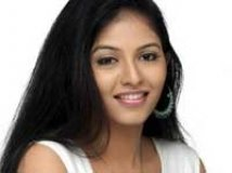 https://www.filmibeat.com/img/2010/07/13-anjali-130710.jpg