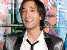 https://www.filmibeat.com/img/2010/07/17-adrien-brody-170710.jpg