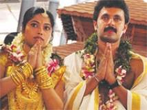 https://www.filmibeat.com/img/2010/08/20-vineeth-sadhya-200810.jpg