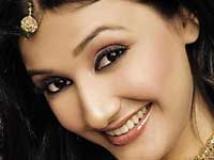 https://www.filmibeat.com/img/2010/08/26-ragini-khanna-201109.jpg