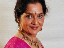 https://www.filmibeat.com/img/2010/09/09-asha-parekh-090910.jpg