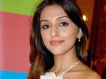 https://www.filmibeat.com/img/2010/10/22-aarti-chhabria-201109.jpg