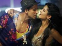 https://www.filmibeat.com/img/2010/11/15-tees-maar-khan-151110.jpg