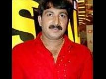 https://www.filmibeat.com/img/2010/12/07-manoj-tiwari-061210.jpg