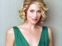 https://www.filmibeat.com/img/2010/12/10-christina-applegate-250309.jpg