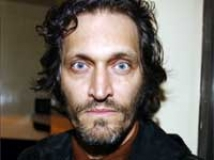 https://www.filmibeat.com/img/2010/12/24-vincent-gallo-241210.jpg