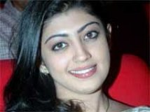 https://www.filmibeat.com/img/2010/12/10-pranitha-101210.jpg
