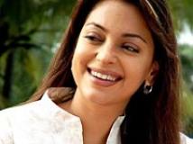 https://www.filmibeat.com/img/2011/01/03-juhi-chawla-050608.jpg