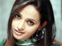 https://www.filmibeat.com/img/2011/03/03-bhavana-230810.jpg