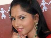 https://www.filmibeat.com/img/2011/04/15-neha-patil-150411.jpg